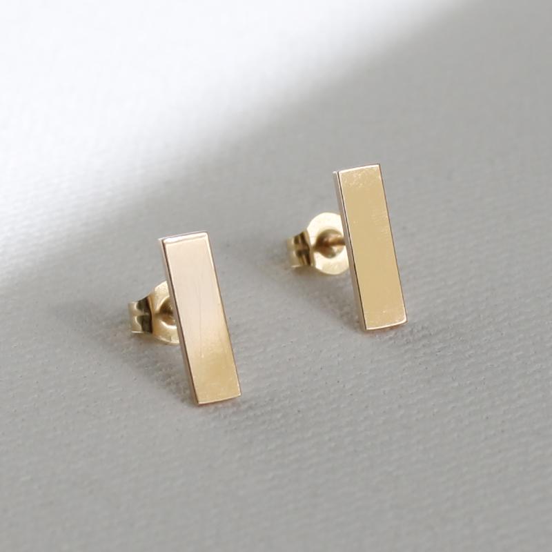 Joanna - Saffiano Leather Bar Rectangle Earrings - Luna