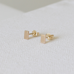 14K Gold Rectangular Earrings (Short)