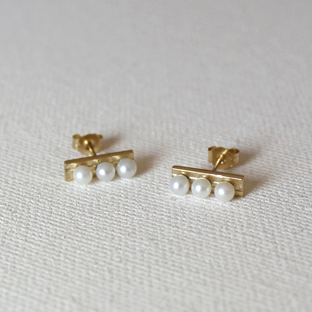 3/3 Pearls Line 14K Gold Earrings