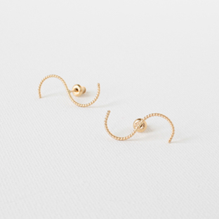 Wavy 14K Gold Earrings