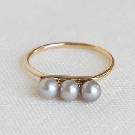3 Gray Pearls Line 14K Gold Ring