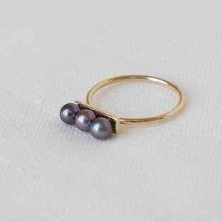 3 Black Pearls Line 14K Gold Ring